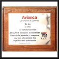 placa sobre base de madera